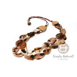 Brown Lip Overlapping Necklace