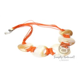 Choker Kabibe Shell Necklace